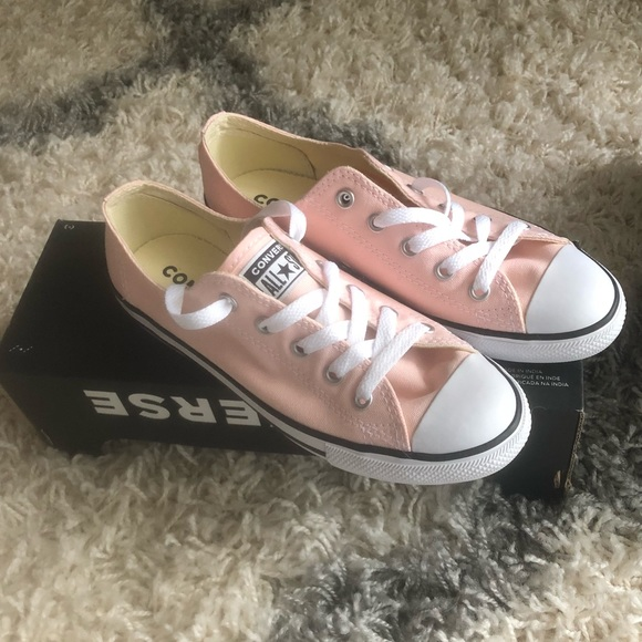 41f1180f8131 Light pink Converse sneakers size 6